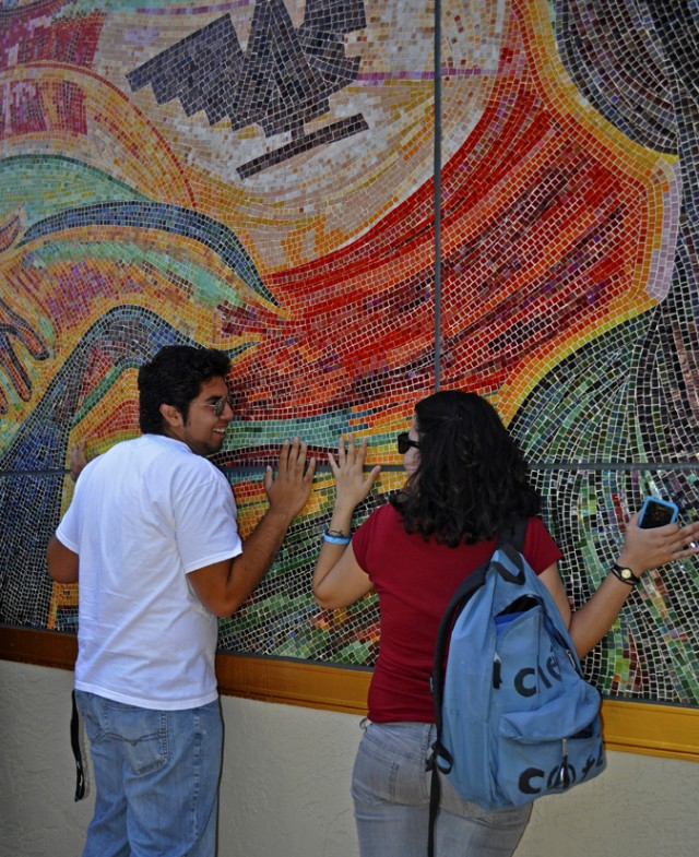 At the edges a rupture in the everyday a new chicano for Chicano mural movement